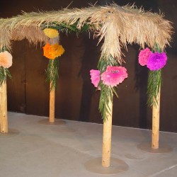 1040 B Thatched Hut With Flowers