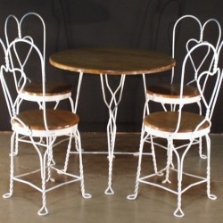 1076 Cafe Table With Chairs