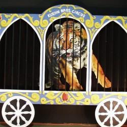 1095 Circus Wagon
